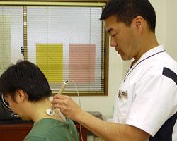 ハイボルテージ治療首の炎症腫れ